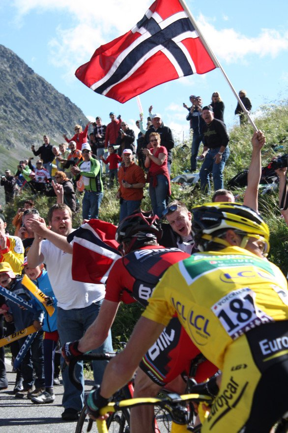 I think Melissa snapped this gem of Tommy Voeckler hot on the wheel of Cadel Evans on Col du Galibier. Stage 18 Pinerolo to Col du Galibier/Serre Chevalier. (July 21, 2011)